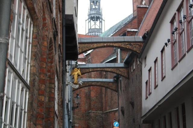 Et kig til en af byens kirker - Måske Mariakirken.